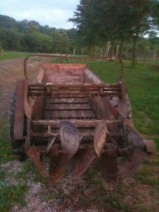 manure spreader without the manure angelacreshorsehavenrescue.blogspot.com