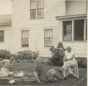 Great-Aunt Mary's house twelve years earlier (1952) Mom, baby David, unknown, Aunt Mary